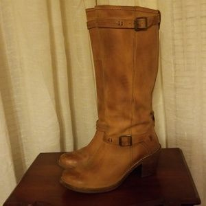 Frye size 8.5 tall boot